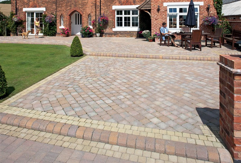 Pool surrounds paving for africa for Garden designs paving slabs