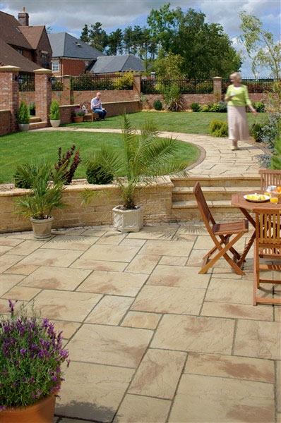 Pool surrounds paving for africa for Back garden paving designs