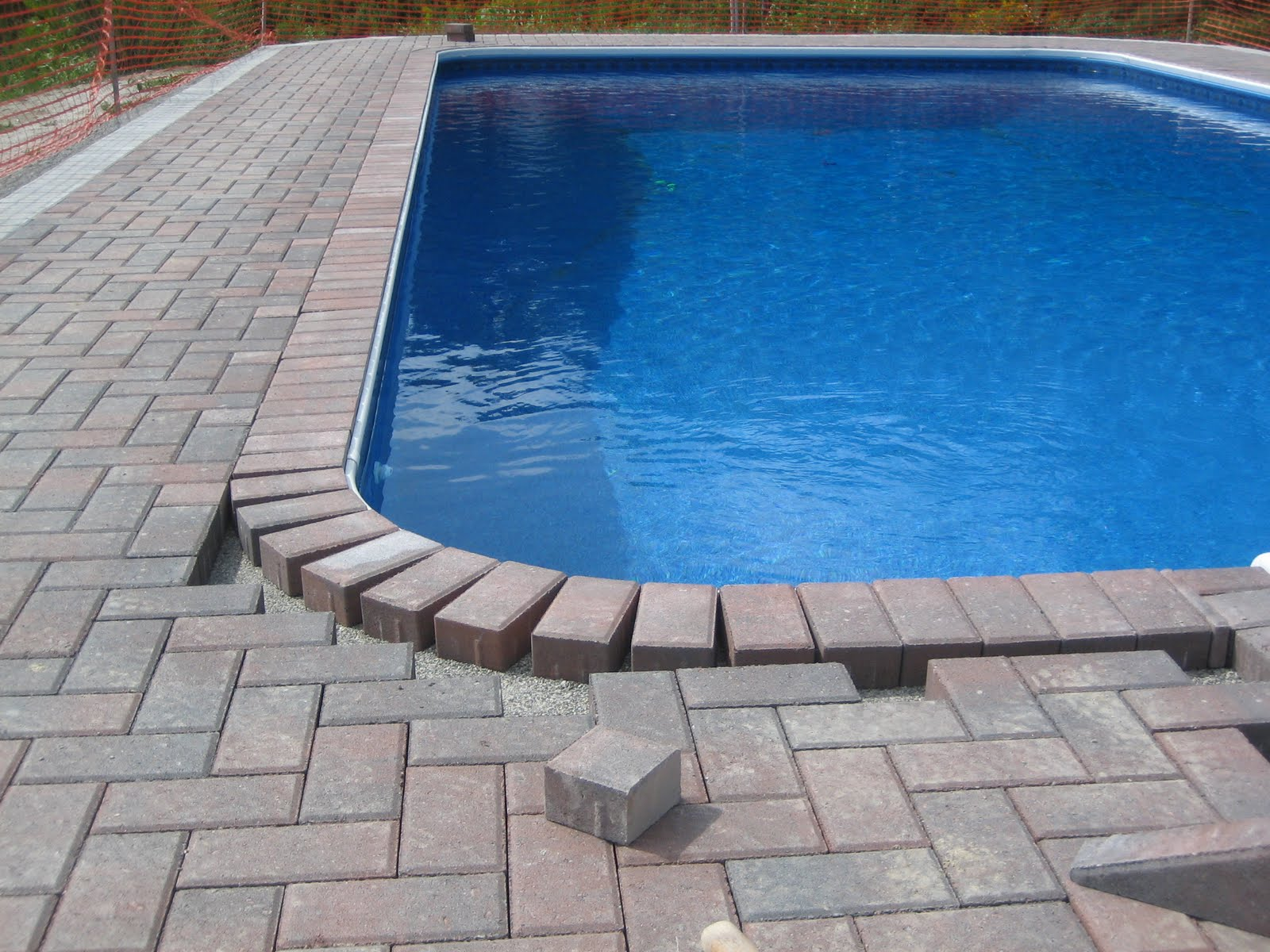 Pool surrounds gallery paving for africa for Swimming pool surrounds design