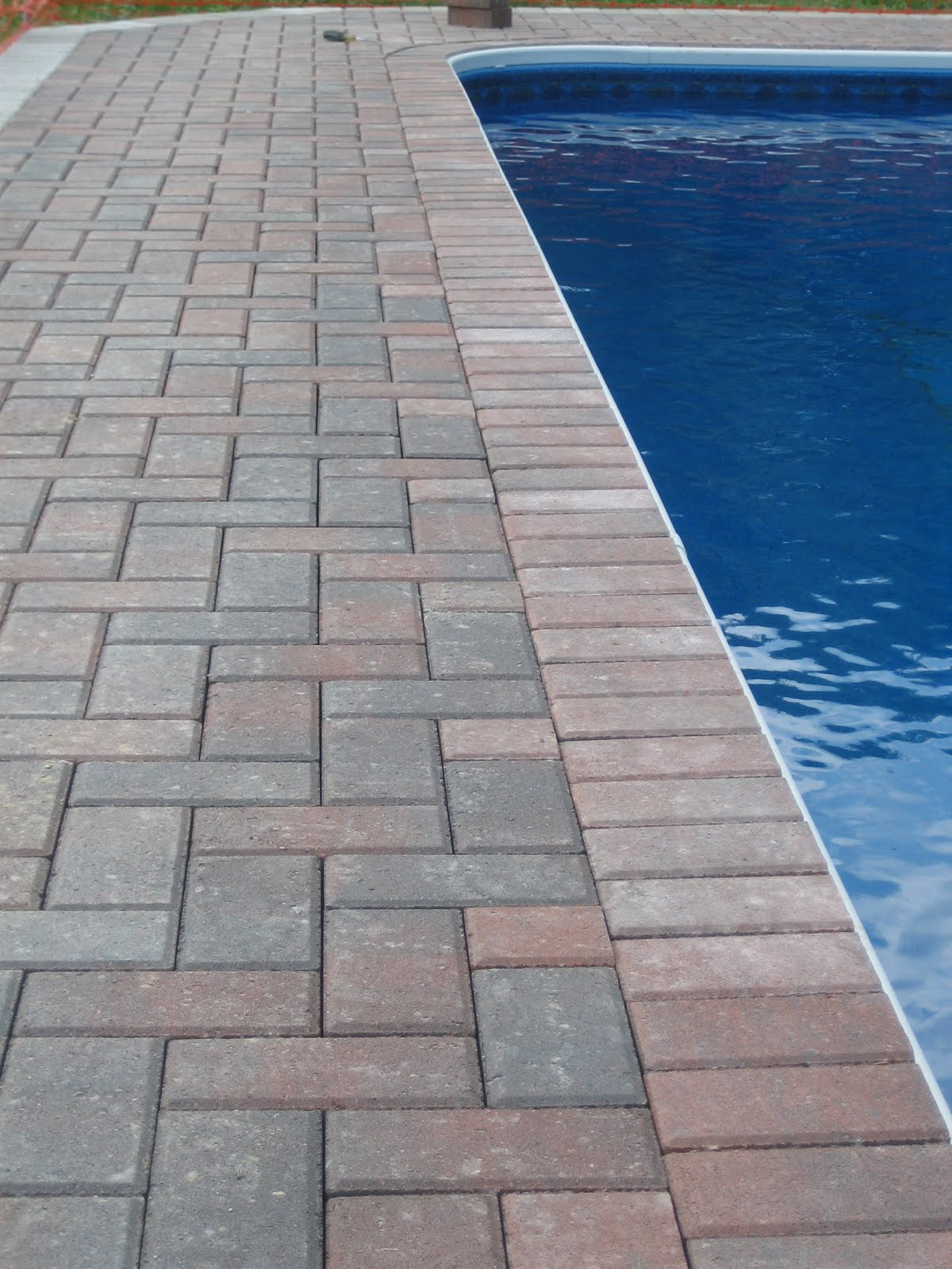 Pool surrounds paving for africa for Swimming pool surrounds design